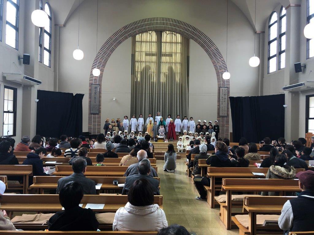 神愛幼稚園の降誕劇と若松バプテスト教会の礼拝のイメージ